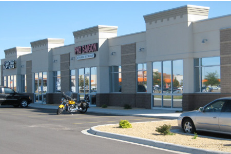Side View of Premiere Centre Strip Mall, Stand-Alone Building in Mankato, Minnesota